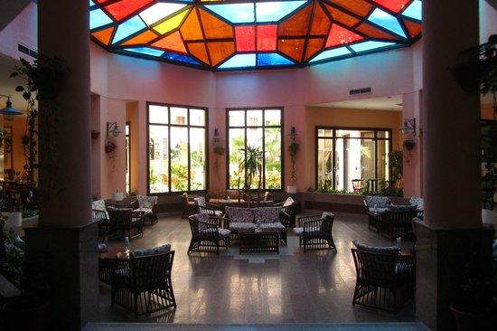 Triton Empire Inn : reception area