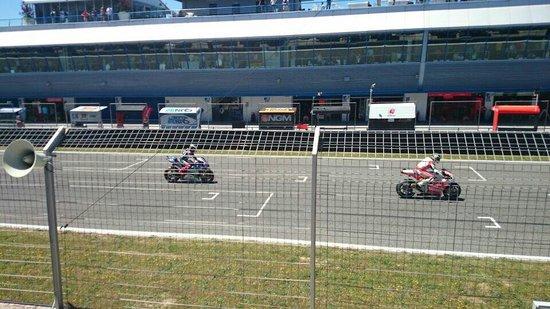 Circuito de velocidad de Jerez: El mejor recuerdo que nos llevamos para Almería! Impresionante ver las motos en directo! Especta