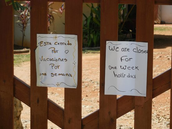El Cabito : After the terrible drive... they are closed for holidays!