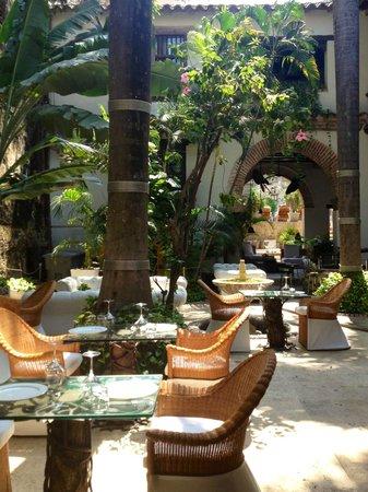 El Marques Hotel Boutique: Courtyard, El Marques