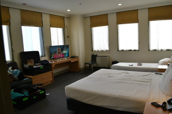 Best Western President Hotel Auckland: Double + Twin