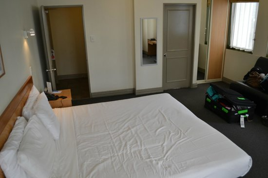 BEST WESTERN President Hotel Auckland: Inside the room