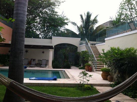 Hotel Villa Verde Merida: poolside