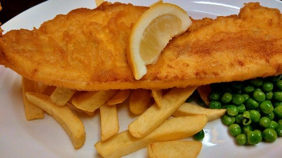 The Cabin: Haddock, Chips & Peas - a very good meal