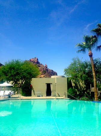 Paradise Valley, AZ : View from the pool