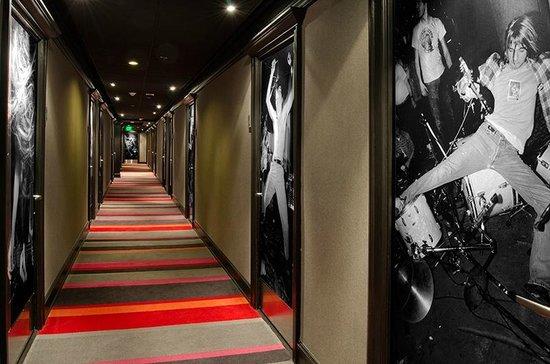Hotel Max : Sub Pop Floor