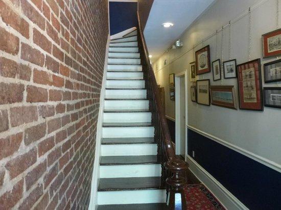 Savannah Bed & Breakfast Inn : Stairs to third floor