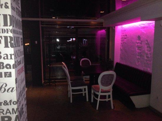Frame Bar & Food: Night