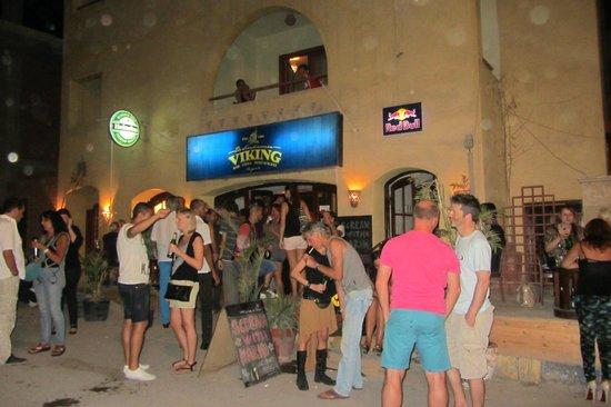 Viking Restaurant & Bar : outside