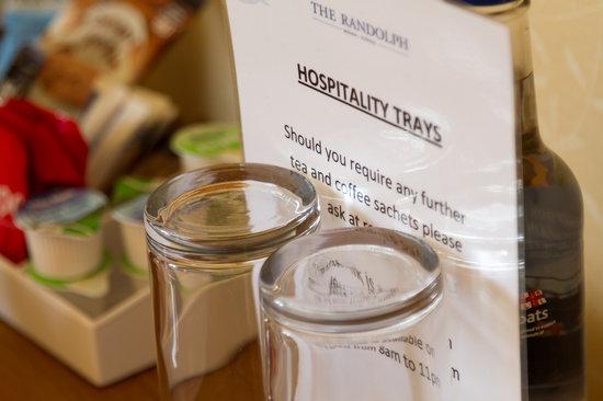 Randolph Hotel: Hospitality Trays in all rooms