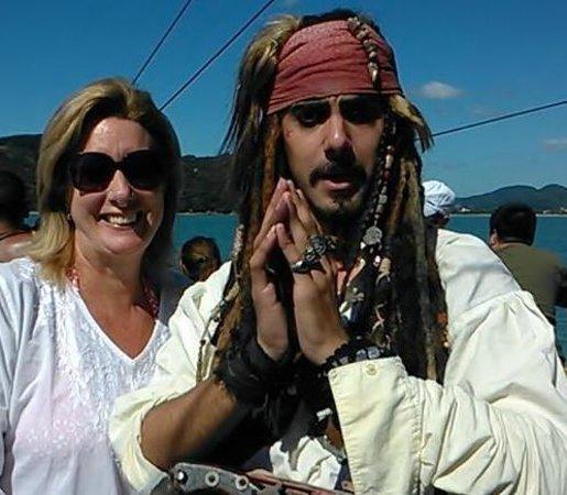 Passeio de Escuna Capitao Gancho Martin: Pirata no passeio de escuna