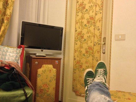 Hotel Giorgione: Piedi del letto
