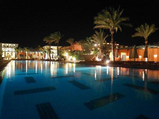 Miramar Resort Taba Heights : Прямоугольный бассейн