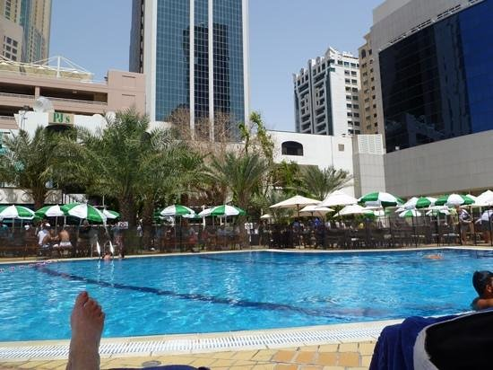 Le Royal Meridien Abu Dhabi: friday BBQ