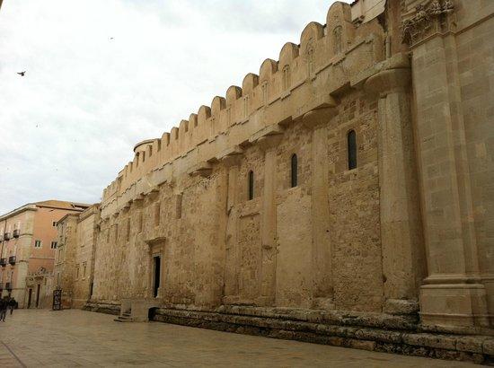 Ortigia: Fianco sinistro del Duomo