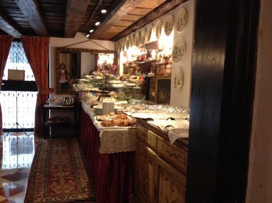 Hotel Palazzo Abadessa : ontbijtkamer