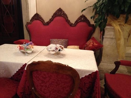 Hotel Palazzo Abadessa : ontbijttafel