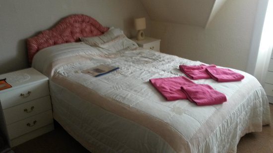Hillview Bed & Breakfast: Bedroom