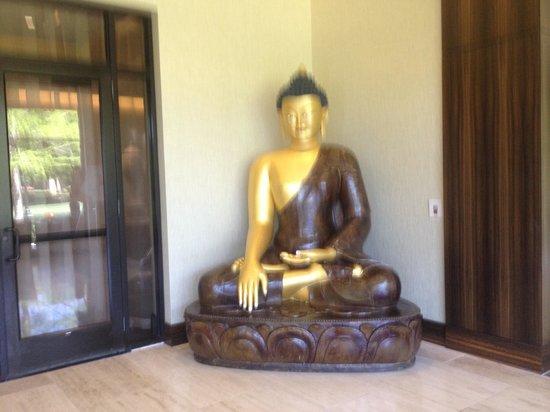 Hilton Anatole: The big Buddha