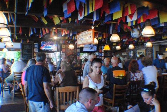 Commodore Waterfront Restaurant : commodore