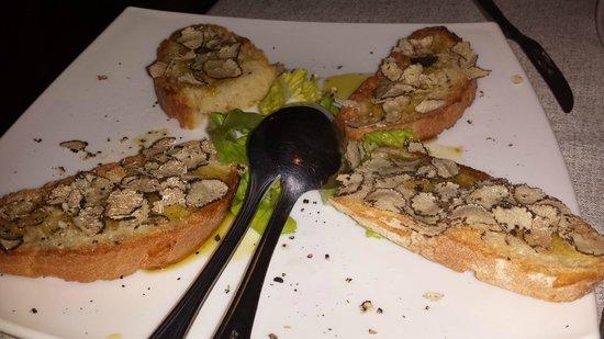 Hotel Ristoranti Locanda del Duca: Bruschette al tartufo