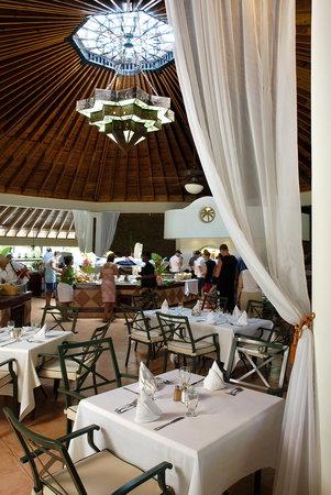 The Tropical at Lifestyle Holidays Vacation Resort: Restaurant Casablanca