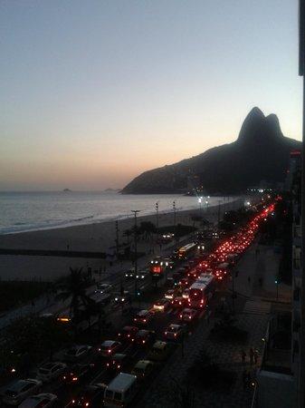 Praia Ipanema Hotel: vista do morro dois irmãos/vidigal da sacada do apto
