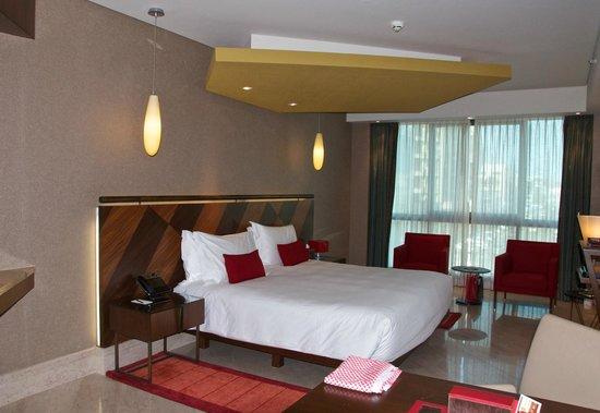 Jumeirah Creekside Hotel: Large rooms