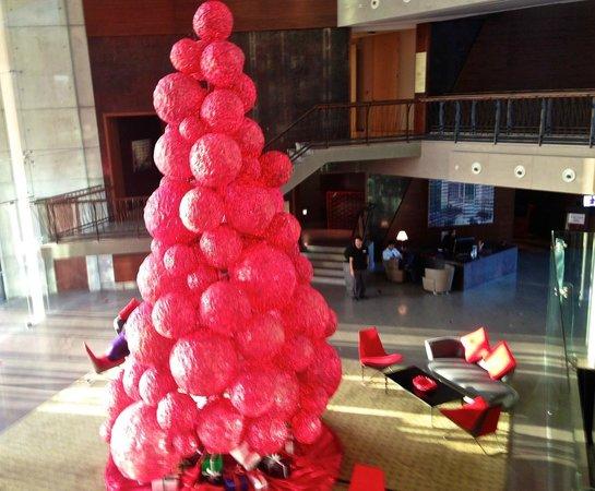 Jumeirah Creekside Hotel: Lobby during Holiday season
