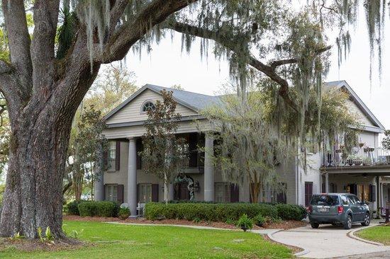 Twelve Oaks Plantation B&B: The Villa