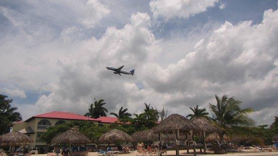 Sandals Montego Bay: Planes