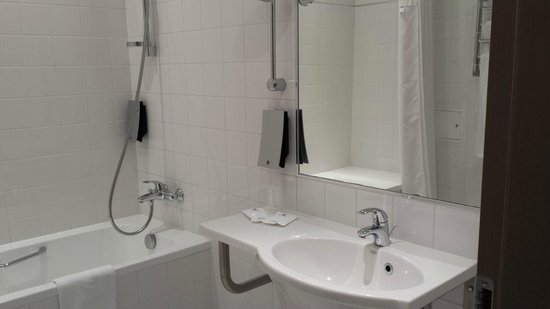 Rixwell Elefant Hotel: Bathroom
