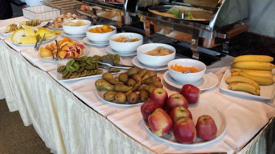 Rixwell Elefant Hotel: Breakfast