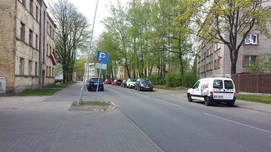 Rixwell Elefant Hotel : Parking places at the hotel's street