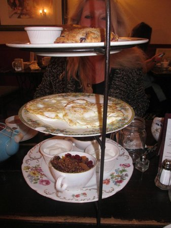 Alice's Tea Cup: madhatter breakfast was delish!