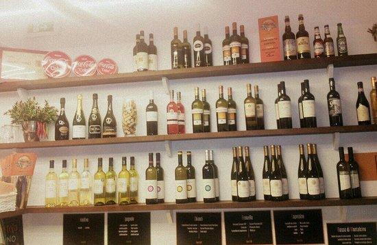 Panino Divino: E con il caldo, per voi ,Una vasta scelta scelta di vini bianchi,bollicine e champagne ...