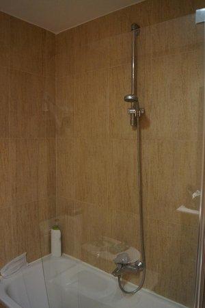 Hotel Presidente: ванная комната
