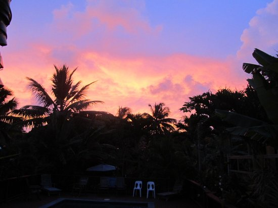 Te Akapuao Holiday Studio Villas 1 & 2 : Beautiful Sunset from deck at the house