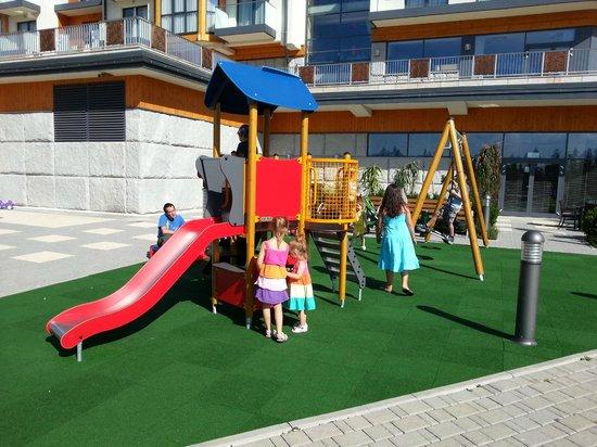 Hotel BUKOVINA: Plac zabaw dla dzieci.