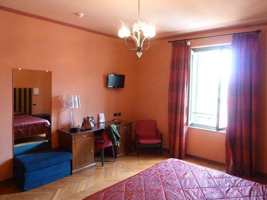 Grand Hotel Nizza et Suisse : camera