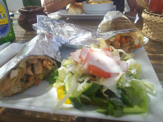 Buzzha Beach Restaurant : 1