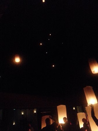 Le Meridien Koh Samui Resort & Spa: flying lanterns Ceremony