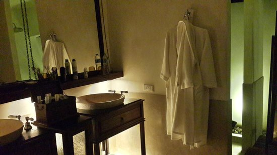 Le Meridien Koh Samui Resort & Spa : bathroom atmosphere