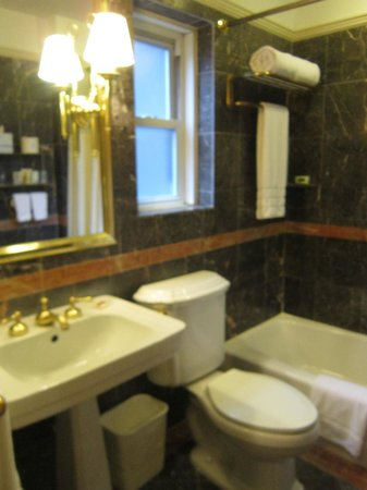 Hotel Elysee by Library Hotel Collection: Marble bathroom