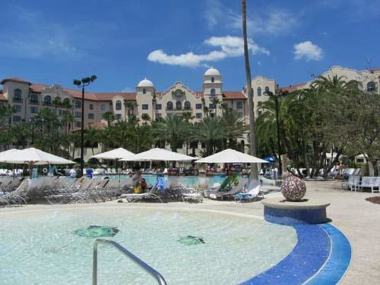 Hard Rock Hotel at Universal Orlando : pool view