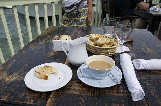 Morgan's Harbour: Garlic Bread