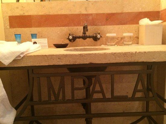 Impala Hotel: bagno