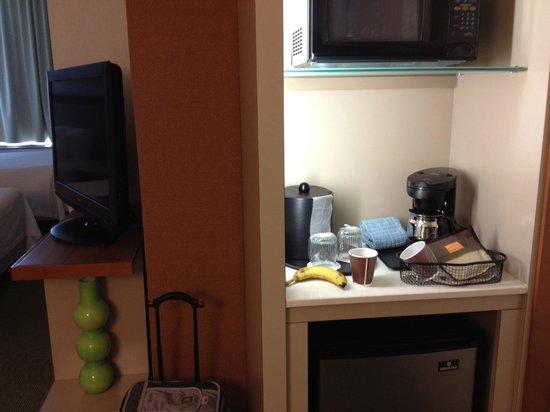 SpringHill Suites San Angelo: Microwave/Fridge
