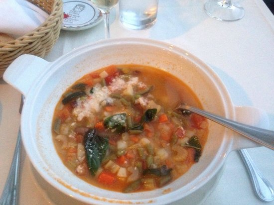 Villa Maria Restaurant : Tureen of garden vegetable soup