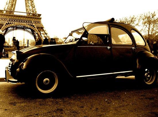 Midnight In Paris On Wheels